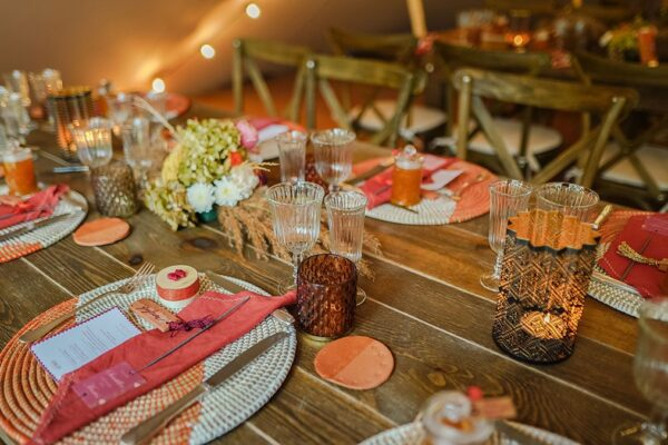 table-mariage-nomade-décoration